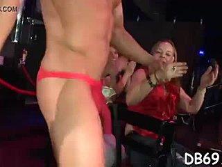 nadržané Mama Syn sex videá
